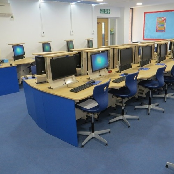 New ICT Suite and Smartboards for Primary School